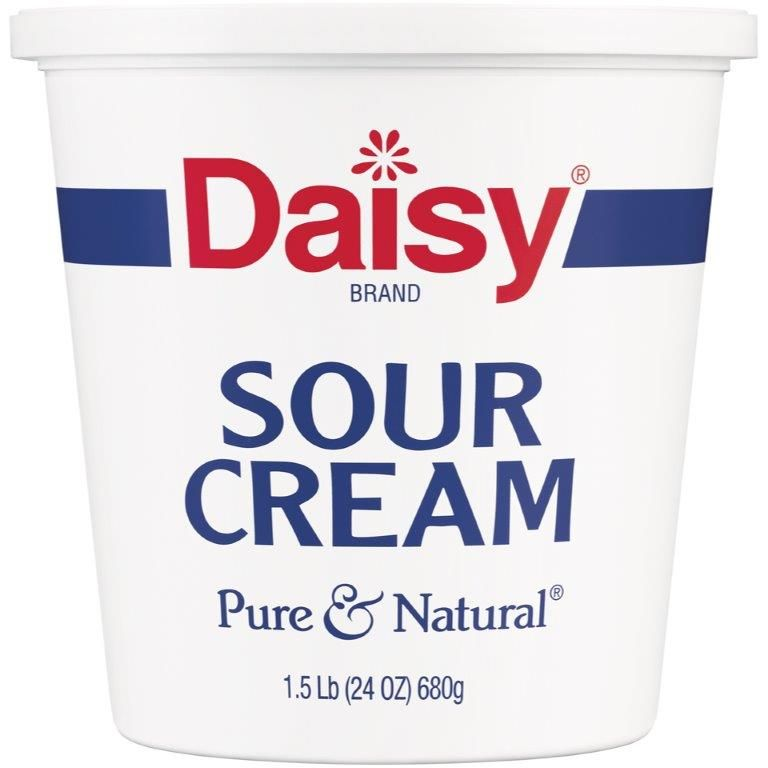 Daisy® Pure & Natural® Sour Cream 24 oz Tub